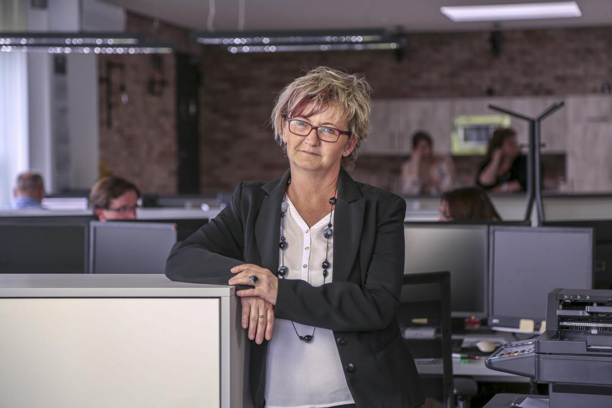 Frau Heike Bernhard